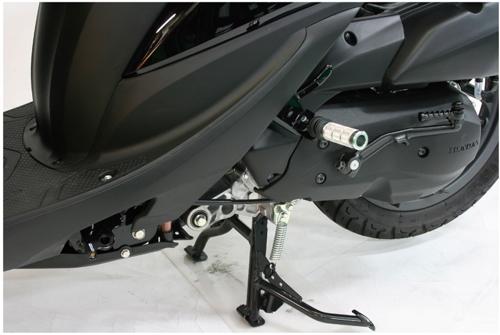 鋁合金切削加工後腳踏套件