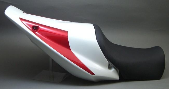 單座座墊整流罩與座墊