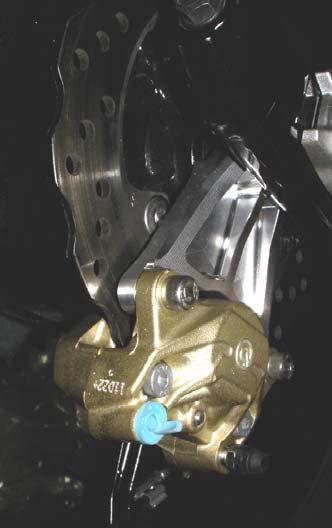 Brembo後卡鉗(2POT/Gold)及支架組