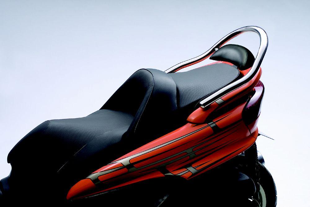 【HURRICANE】後座扶手 附後靠背 - 「Webike-摩托百貨」
