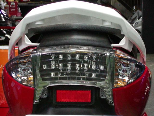 切割型透明尾燈
