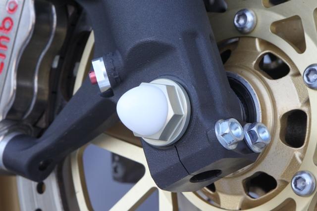 M18 鋁合金前軸螺絲 (硬質陽極)