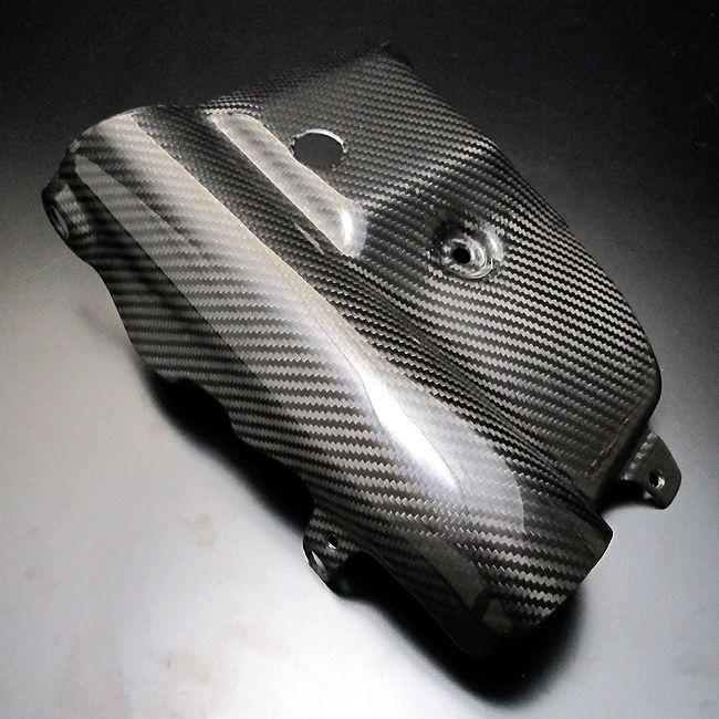 乾式碳纖維下面板