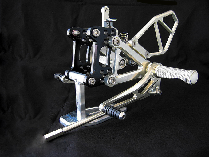 腳踏後移套件 (ZX-6RR 03-04用)