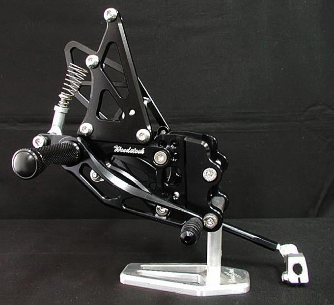 腳踏後移套件 (ZX-10R 04-05用)