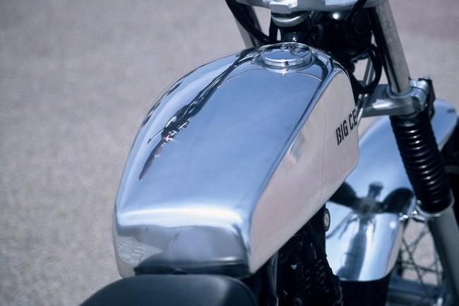 Flat Side 鋁合金油箱&坐墊