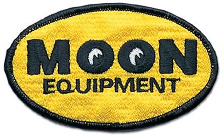 OVAL 徽章