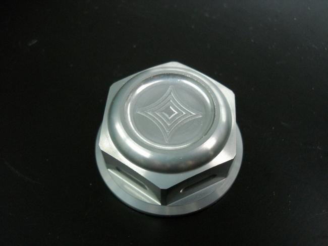 三角台軸心螺帽