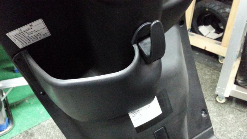 BWS125 前置物箱附掛鉤 【黑色】