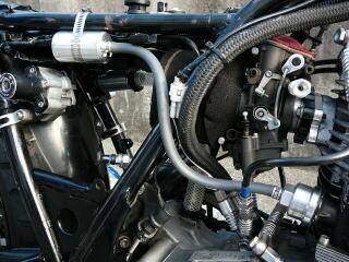 汽缸頭容積擴大用 旁通管套件 (凸輪軸蓋用)