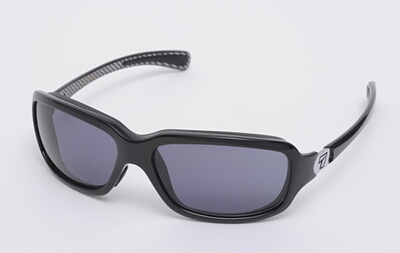 7eye太陽眼鏡 SPF75 Marin樣式(Black Carbon)ReAct Gray