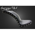 【Garage T&F】付鉚釘光滑Cobra坐墊
