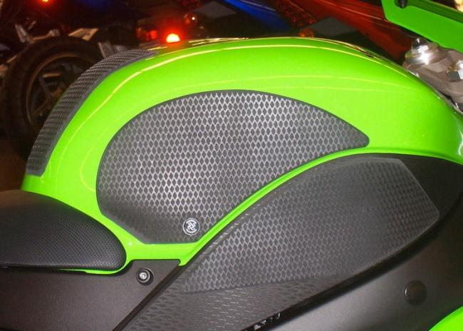 Grip Star 油箱保護貼(4件組  )Snake Skin
