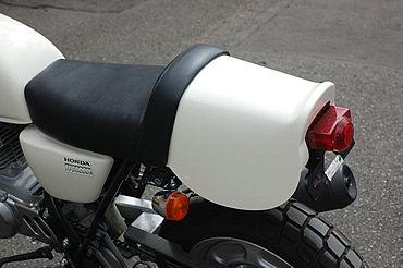 【OSCAR】APE100用 Saddlecloth 單座坐墊 (白色塑膠) - 「Webike-摩托百貨」