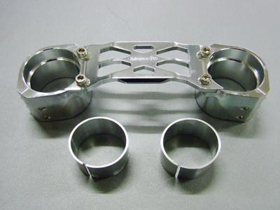 ADDRESS V125 鋁合金切削加工 前叉穩定器(手銬) 電鍍款式(附間隙片)
