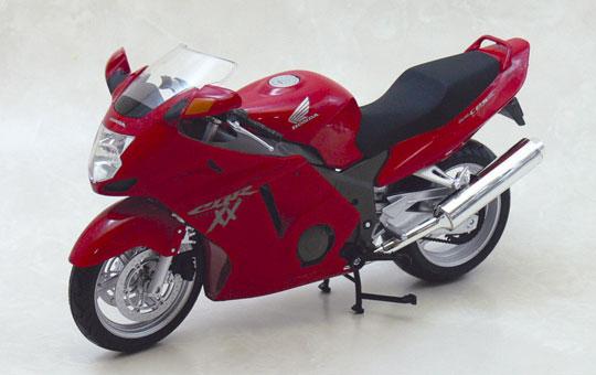 [完成品模型車] HONDA CBR1100XX Super Blackbird