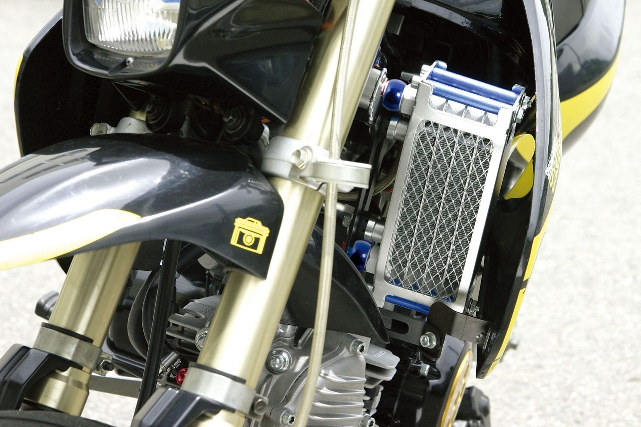 【SP武川】Compact 4排式機油冷卻器(橡膠軟管/ 銀色散熱核心)離合器外蓋用 - 「Webike-摩托百貨」