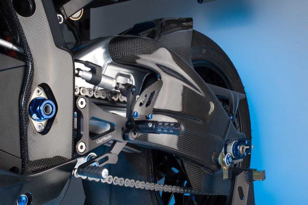 【LighTech】碳纖維零件  BMW用 前擋泥板