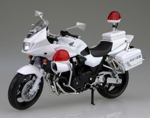 【青島文化教材社】[完成品摩托車模型] 1/12比例 HONDA CB1300P (白Bike) 神奈川縣警局