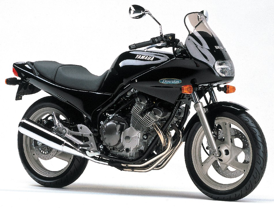 YAMAHA&nbsp;DIVERSION400