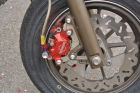 【OVER】煞車卡鉗座 Brembo 螃蟹卡鉗(Φ34)用 右側 - 「Webike-摩托百貨」