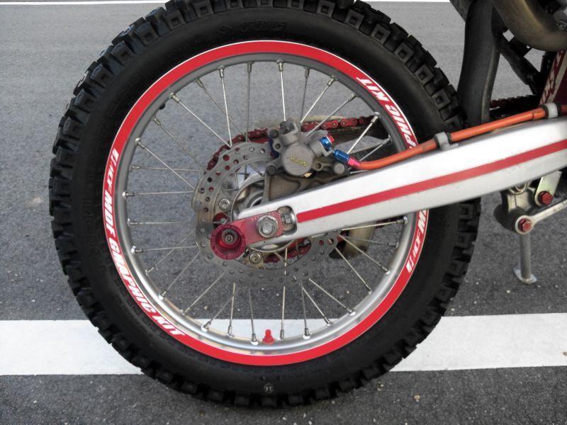 ロードバイク ホイール ステッカー