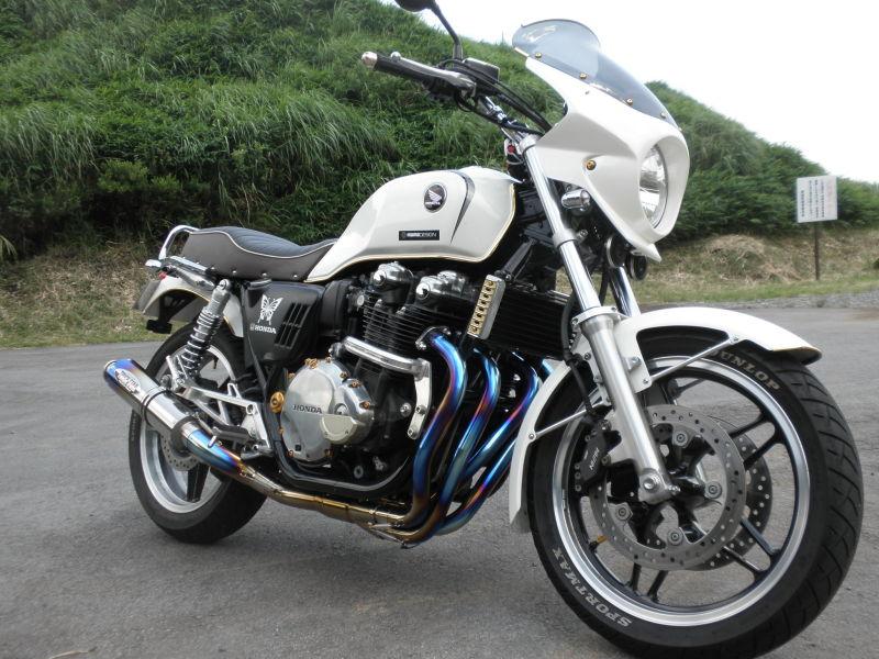 HONDA-CB1100-white