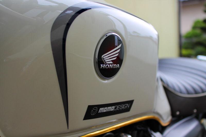 HONDA CB1100 - closeup