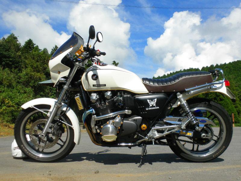 HONDA CB1100-side