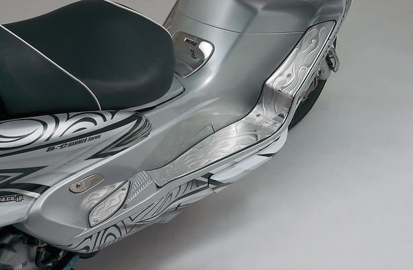 【DAYTONA】腳踏板 火焰圖案 - 「Webike-摩托百貨」