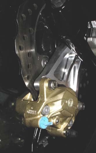 【BEET】Brembo後卡鉗(2POT/Gold)及支架組 - 「Webike-摩托百貨」