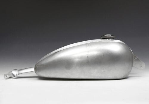 【EASYRIDERS】鋁合金花生型長油箱 - 「Webike-摩托百貨」
