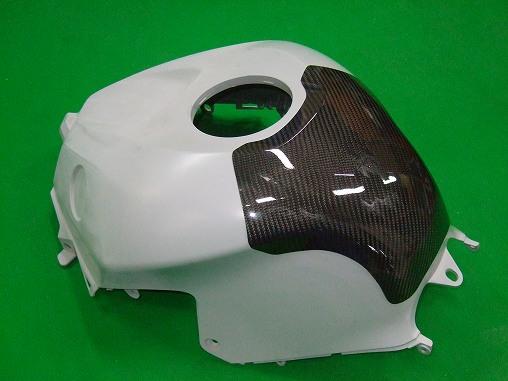 【CLEVERWOLF】碳纖維油箱保護蓋 - 「Webike-摩托百貨」