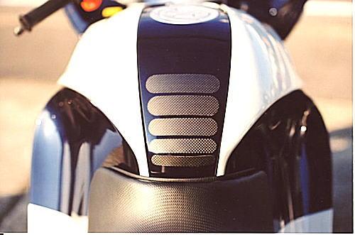 【Sasaki Sports Club】碳纖維油箱保護貼 - 「Webike-摩托百貨」