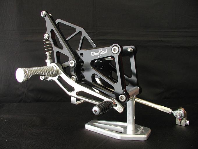 【WOODSTOCK】腳踏後移套件 (ZX-6RR 05-06用) - 「Webike-摩托百貨」