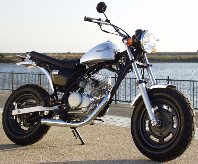 【BIG CEDAR】Teardrop 鋁合金油箱 - 「Webike-摩托百貨」