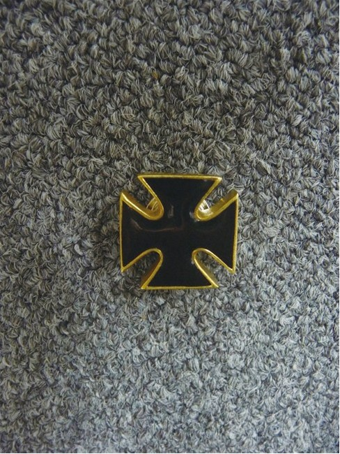【RIDEZ】安全帽配件 鐵十字 - 「Webike-摩托百貨」