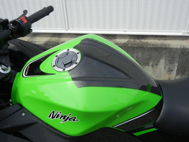 【WR's】碳纖維油箱貼片 - 「Webike-摩托百貨」