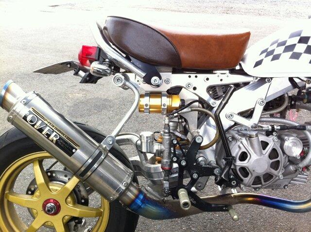 【G-Craft】MONKEY車架用 儲氣(液)罐支架  - 「Webike-摩托百貨」