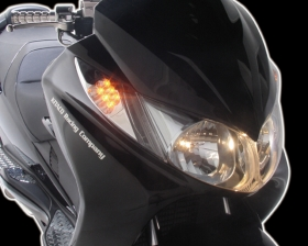 【KITACO】LED前方向燈&尾燈套件 - 「Webike-摩托百貨」