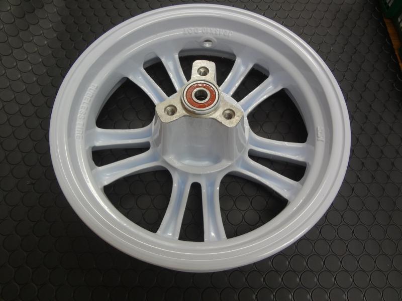 【KN企劃】ADDRESS V125鑄造前後輪框組【白色】K1-K9 - 「Webike-摩托百貨」