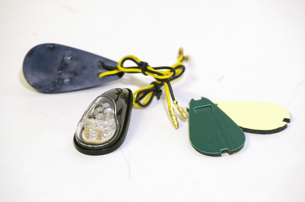 【World Walk】碳纖維塗裝黏貼式 LED方向燈 - 「Webike-摩托百貨」