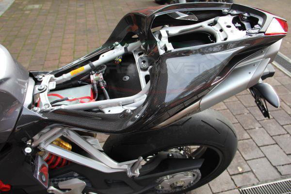 【CARBONVANI】單坐墊尾蓋 L (車尾整流罩) - 「Webike-摩托百貨」