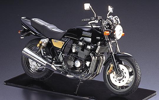 【青島文化教材社】[Naked模型車] YAMAHA XJR400R - 「Webike-摩托百貨」