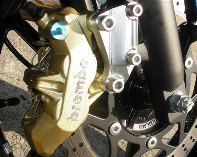 【NA Metal Craft】Brembo 65mm煞車卡鉗座 - 「Webike-摩托百貨」
