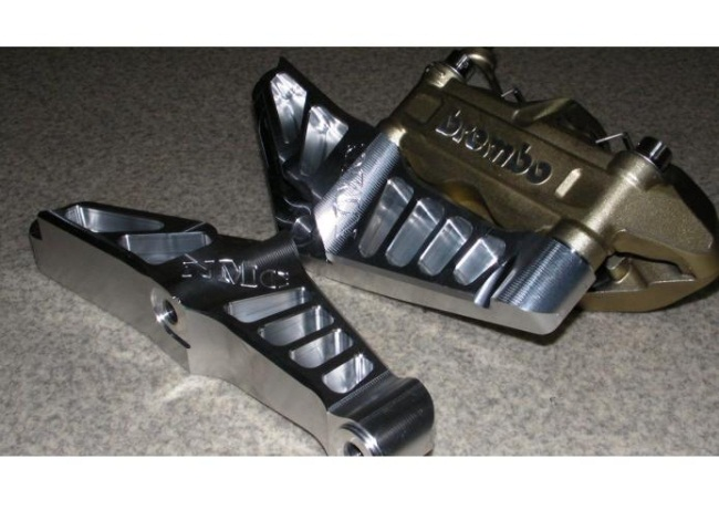 【NA Metal Craft】Brembo 100mm 輻射煞車卡鉗座 - 「Webike-摩托百貨」