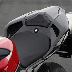 【de LIGHT】坐墊整流罩 (Traction Control 對應) - 「Webike-摩托百貨」