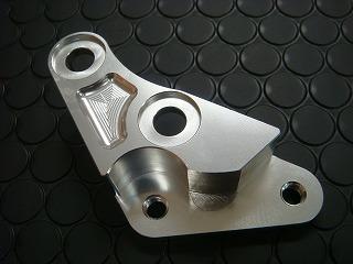 【KN企劃】4POT 煞車卡鉗座 V125 200mm碟盤用 - 「Webike-摩托百貨」