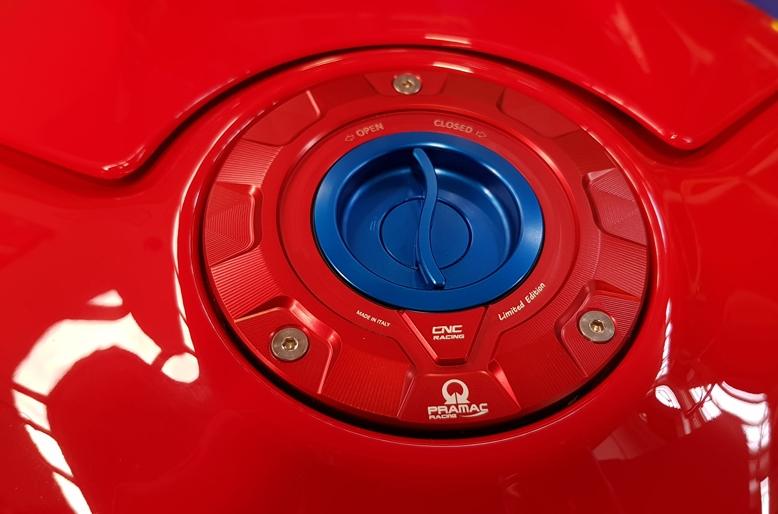 【CNC Racing】Pramac Racing 限量版油箱蓋 - 「Webike-摩托百貨」