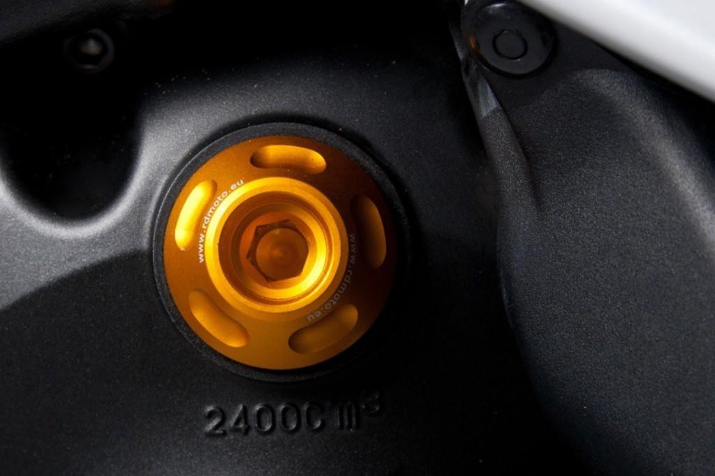 Oil plug